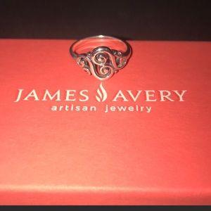 Spanish swirl James Avery ring!